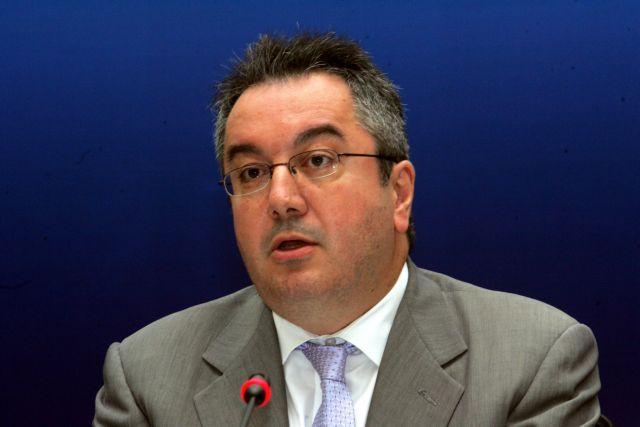 Μόσιαλος: Να αγοράσουν οι κυβερνήσεις τις πατέντες για όλα τα τεστ ταχείας διάγνωσης | tovima.gr