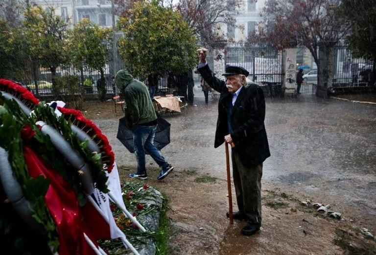 Πανελλήνια και διεθνής θλίψη για τον Μανώλη Γλέζο   tovima.gr