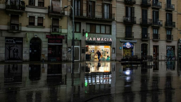 Η Ισπανία αναστέλλει τις εξώσεις | tovima.gr