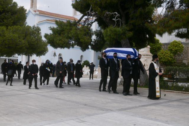 Μανώλης Γλέζος: Σε στενό οικογενειακό κύκλο η κηδεία του «τελευταίου παρτιζάνου» | tovima.gr