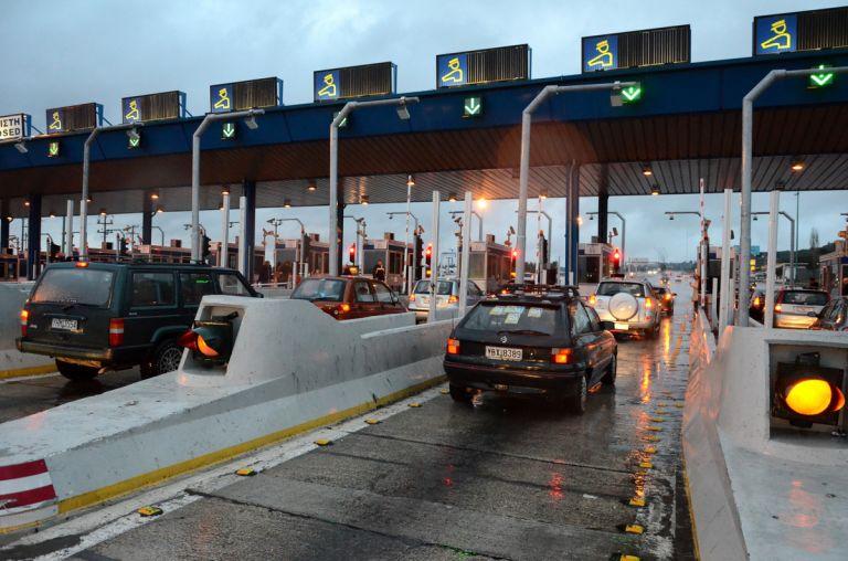 Σφίγει ο κλοιός για τους επίδοξους εκδρομείς του Πάσχα – Μπλόκα σε διόδια, διπλάσιο πρόστιμο, αφαίρεση πινακίδων | tovima.gr