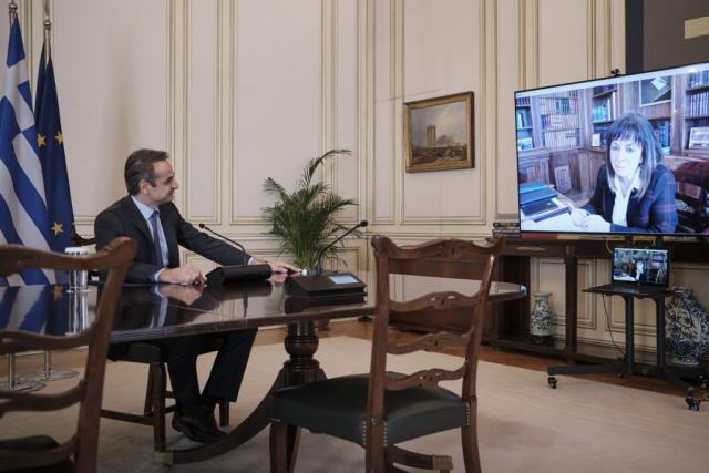 Μητσοτάκης – Σακελλαροπούλου:  Τι συζήτησαν στη διάρκεια της τηλεδιάσκεψης | tovima.gr