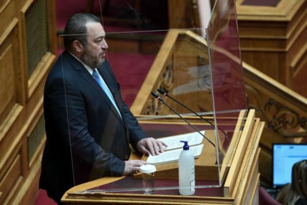 Κορωνοϊός: Πλεξιγκλάς για προστασία στο βήμα της Βουλής | tovima.gr