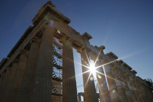 Independent: Πώς η Ελλάδα κατάφερε να κάνει επίπεδη την  καμπύλη του κορωνοϊού   tovima.gr