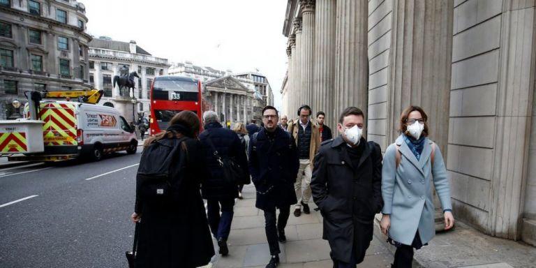 Βρετανία: Το lockdown οδηγεί σε κλιμακωτό ωράριο και εργασία και το ΣΚ;   tovima.gr