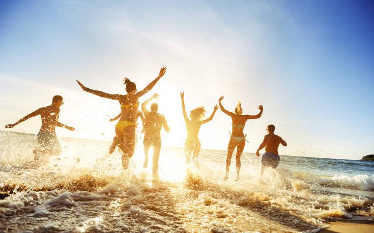 Έρευνα: Θα κάνουν καλοκαιρινές διακοπές οι Έλληνες; | tovima.gr