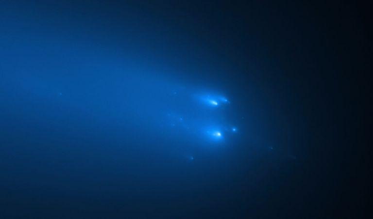 Ο κομήτης «Άτλας» διασπάται σε κομμάτια όσο πλησιάζει τη Γη | tovima.gr