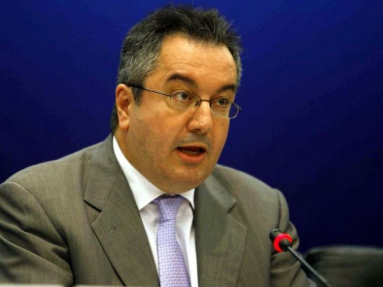 Μόσιαλος: Δεν μεταδίδουν τον κορωνοϊό όσοι ξανανοσήσουν | tovima.gr