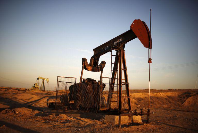 Πετρέλαιο: Ανοδικά οι τιμές την Πρωτομαγιά – Σε ισχύ η παγκόσμια συμφωνία για μείωση παραγωγής | tovima.gr
