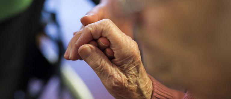 Κοροναϊός: Πότε οι ηλικιωμένοι μπορούν να πάνε στα χωριά τους | tovima.gr