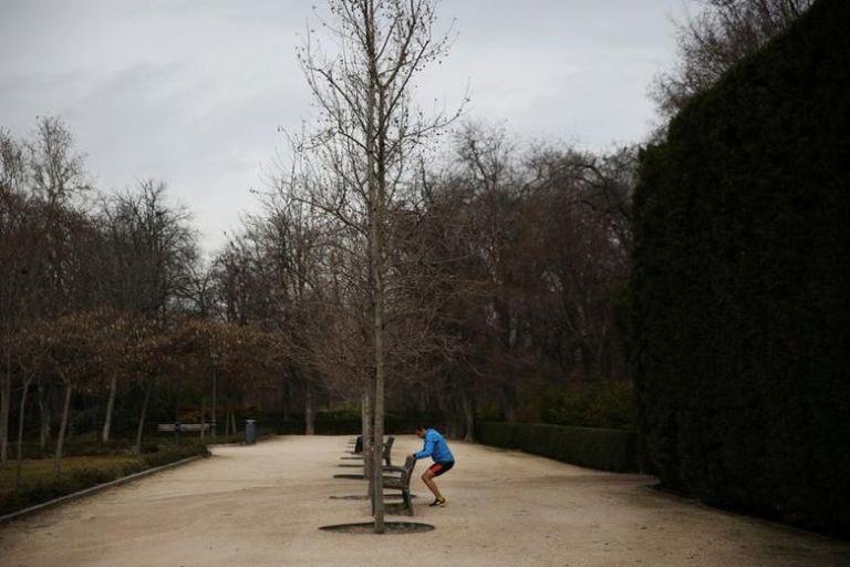 Κορωνοϊός – Ισπανία: Μετά από 7 εβδομάδες οι Ισπανοί βγήκαν  να αθληθούν   tovima.gr