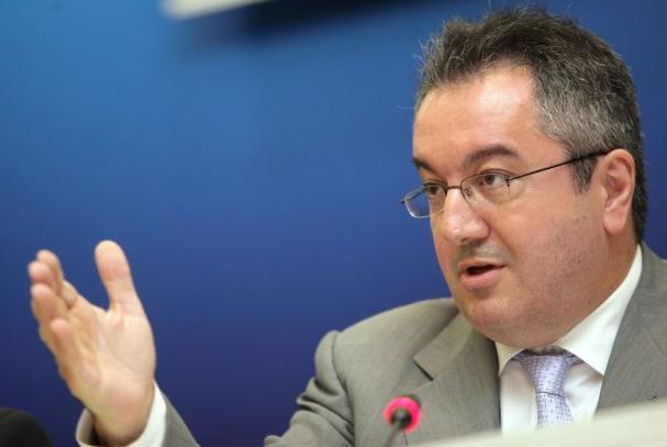 Μόσιαλος: Το εμβόλιο για τον κορωνοϊό πρέπει να γίνει δημόσιο αγαθό   tovima.gr