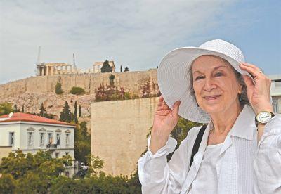 Μάργκαρετ Ατγουντ: «Με τις επιδημίες δεν μπορούμε να κάνουμε ανακωχή» | tovima.gr
