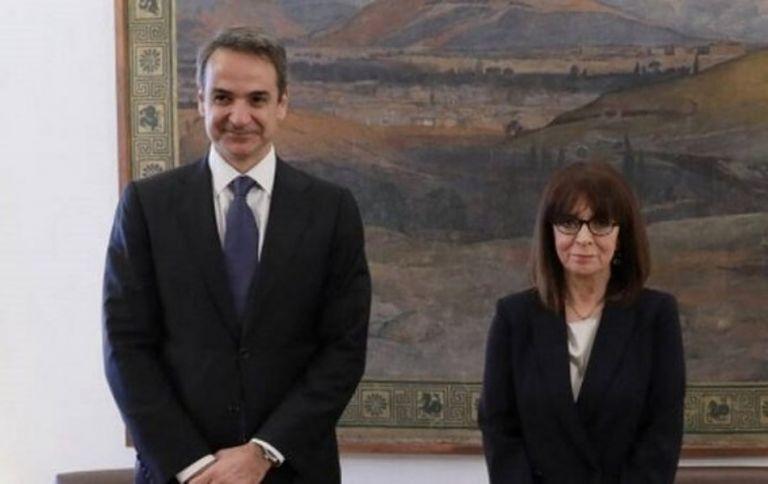 Στο Προεδρικό ο Μητσοτάκης – Συναντάται με Σακελλαροπούλου   tovima.gr