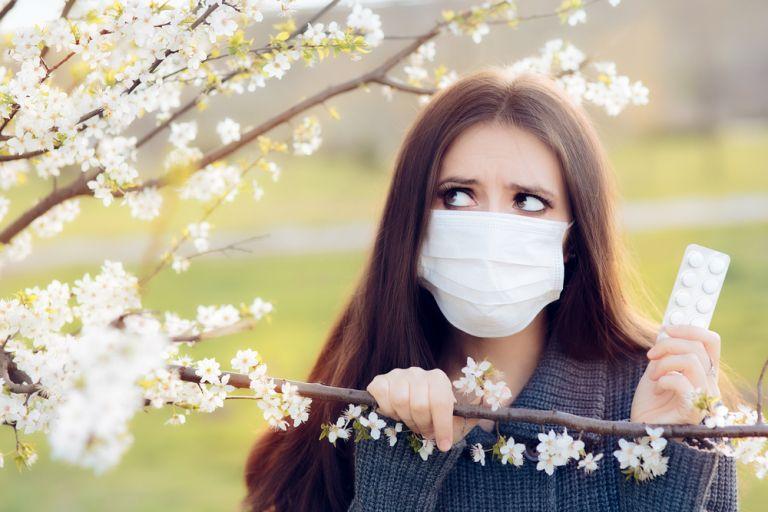 Κορωνοϊός ή ανοιξιάτικη αλλεργία: Πώς τα ξεχωρίζουμε – Ο Σ.Τσιόδρας εξηγεί   tovima.gr