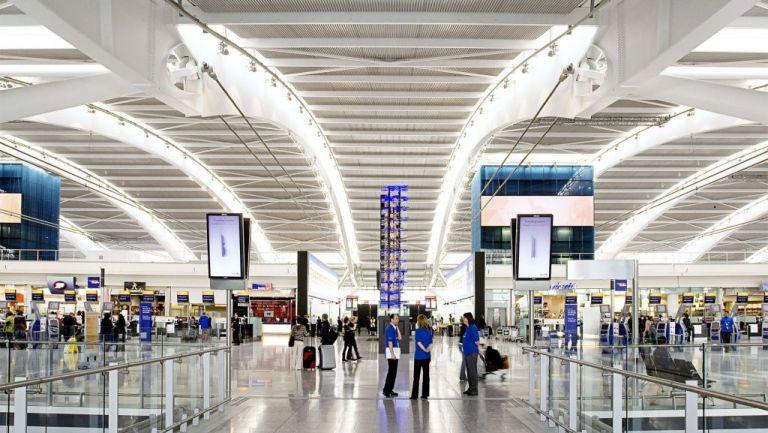 Times: Υποχρεωτική καραντίνα σε όσους φτάνουν στη Βρετανία | tovima.gr