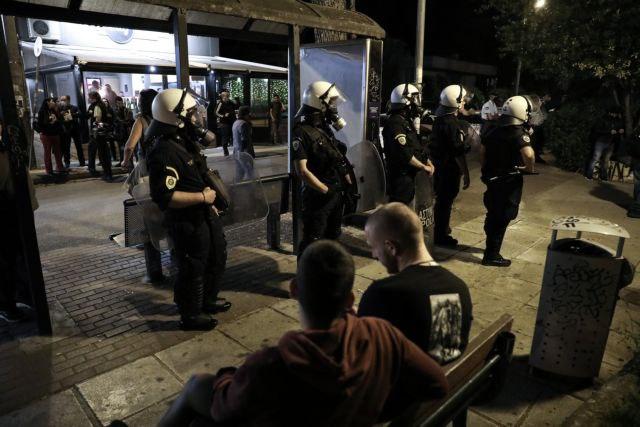 «Αποκέντρωση» των Εξαρχείων βλέπει η ΕΛ.ΑΣ πίσω από τα βραδινά επεισόδια στις πλατείες | tovima.gr