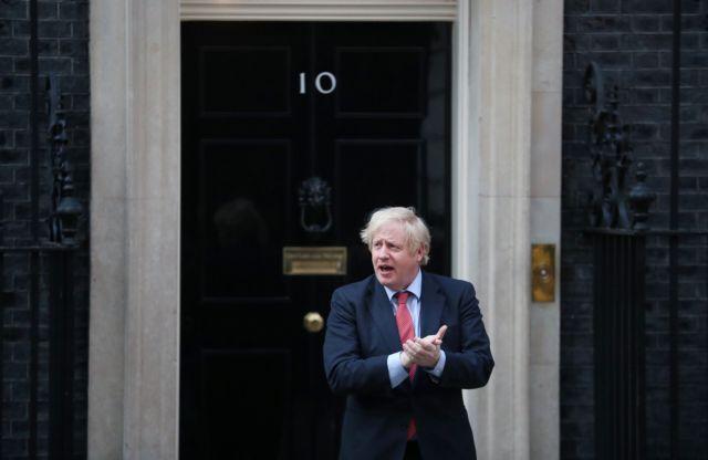 Κορωνοϊός -Βρετανία: Νέους κανόνες προανήγγειλε ο Τζόνσον – «Μείνετε σπίτια σας» | tovima.gr