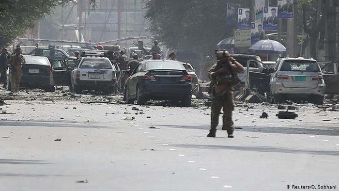 Αφγανιστάν: Δεκάδες εκροί και τραυματίες από βομβιστική επίθεση κατά την κηδεία αστυνομικού   tovima.gr