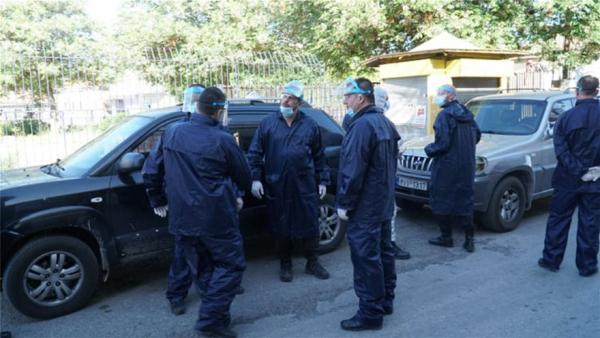 Λάρισα: Από κηδεία Ρομά τα κρούσματα στον οικισμό της Νέα Σμύρνης | tovima.gr