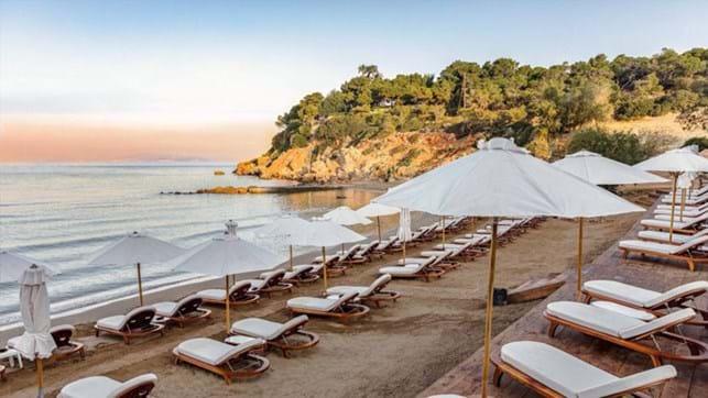 Ταχύτερα η επιστροφή στην κανονικότητα: Ανοίγουν παραλίες, εκκλησίες, mall – Απελευθερώνονται οι μετακινήσεις   tovima.gr