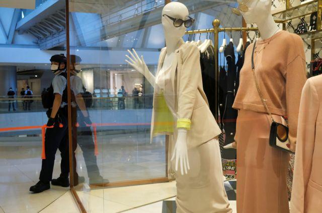 Άνοιξαν τα εμπορικά κέντρα – Πώς θα δοκιμάζουμε ρούχα και παπούτσια | tovima.gr