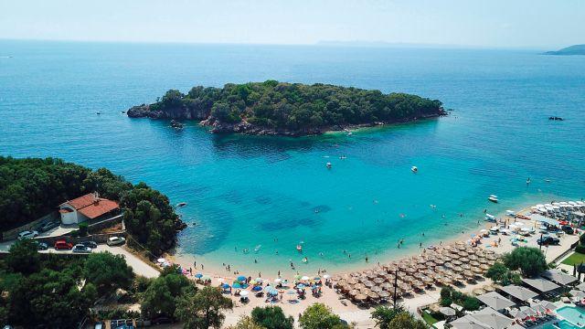 Ενίσχυση του εσωτερικού τουρισμού με  voucher σε 250.000 δικαιούχους | tovima.gr