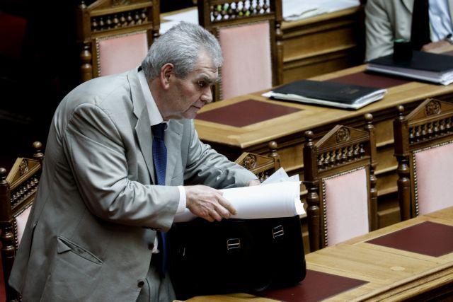 Ψηφοφορία για Παπαγγελόπουλο: Οι ηχηρές απουσίες του ΚΙΝΑΛ και η καταγγελία | tovima.gr