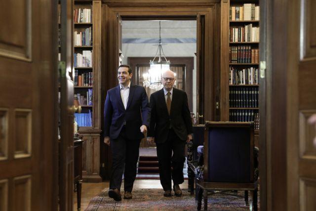 Οταν η Πρόεδρος συνάντησε τον Τσίπρα | tovima.gr