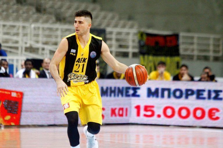 ΑΕΚ: Αφήνει ελεύθερο τον Μωραΐτη | tovima.gr