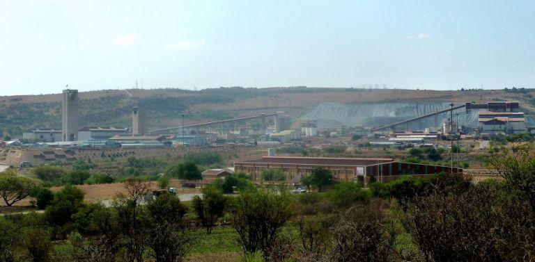 Θετικοί στον κοροναϊό 53 εργαζόμενοι σε χρυσωρυχείο στη Νότια Αφρική   tovima.gr