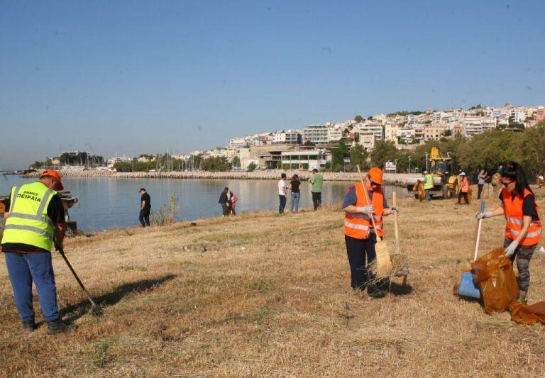 Δήμος Πειραιά: Μεγάλη επιχείρηση καθαρισμού του παραλιακού μετώπου του ΣΕΦ | tovima.gr