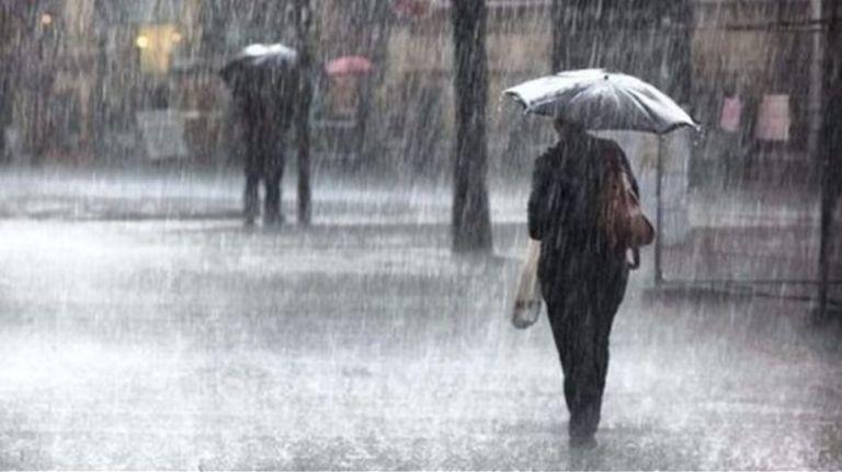Ο καιρός σήμερα : Βροχές και καταιγίδες | tovima.gr