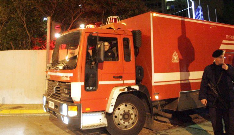 Εμπρηστικός μηχανισμός σε κτίριο στο Πέραμα – Μικρές υλικές ζημιές | tovima.gr