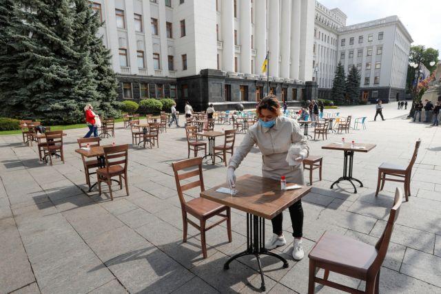 Κορωνοϊός: Ποια επαγγέλματα είναι πιο εκτεθειμένα στον ιό – Ο κίνδυνος των εργαζομένων σε ποσοστά | tovima.gr