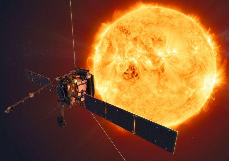 ESA: Το σκάφος Solar Orbiter ετοιμάζεται να περάσει μέσα από την ουρά του κομήτη Atlas | tovima.gr