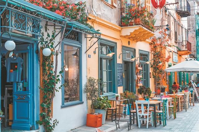 Υπ' ατμόν οι ξενοδόχοι, στο κόκκινο οι ξενοδοxoϋπάλληλοι   tovima.gr