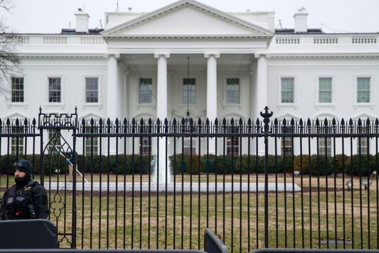Δολοφονία Φλόιντ: Στον Λευκό Οίκο οι διαδηλωτές – Σε υπόγειο καταφύγιο ο Τραμπ | tovima.gr