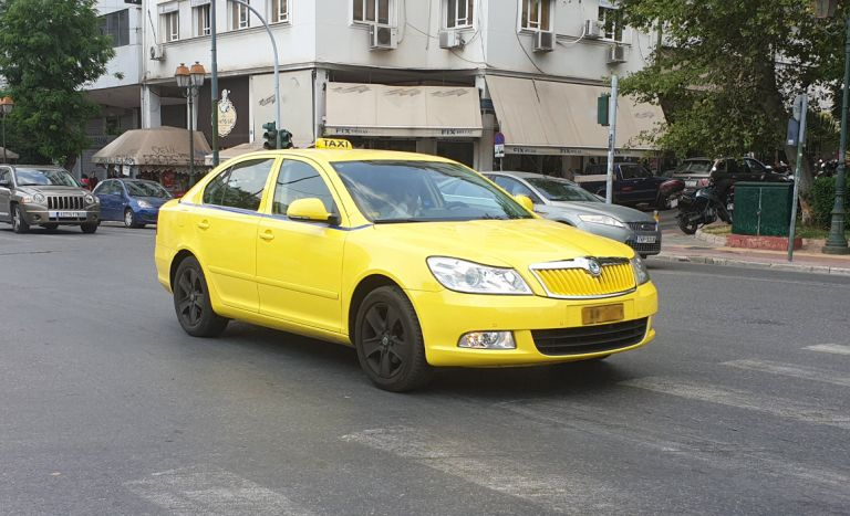 Με ΦΠΑ 13% τα κόμιστρα των ταξί | tovima.gr