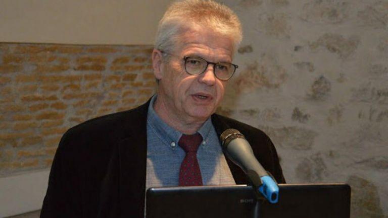 Γώγος στο MEGA: Η απόσταση είναι η μόνη λύση για την αποφυγή του κορωνοϊού   tovima.gr
