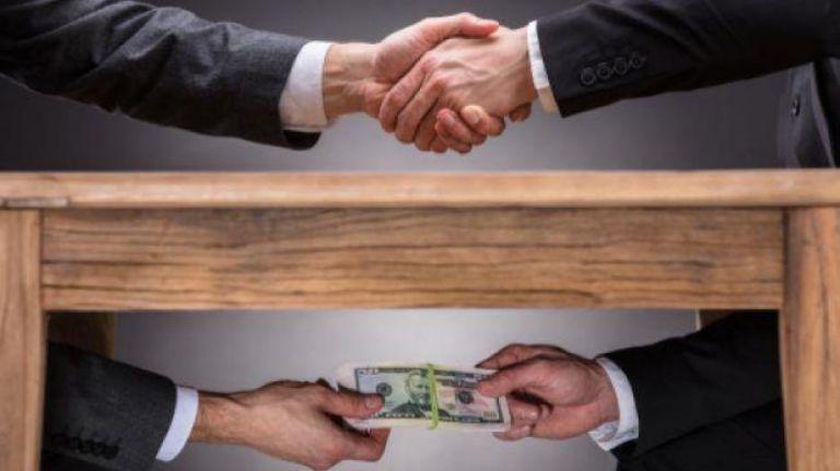 Καλά κρατεί η διαφθορά στην Ελλάδα – Τι αποκαλύπτει το Ευρωβαρόμετρο   tovima.gr