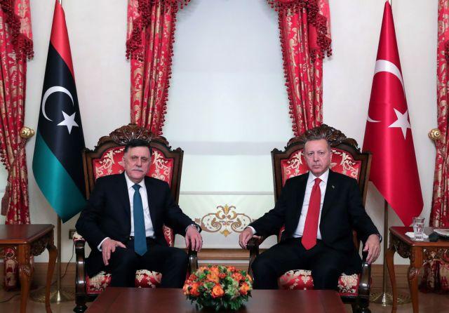 Η Τουρκία «εγκαθίσταται» στη Λιβύη δημιουργώντας δύο στρατιωτικές βάσεις | tovima.gr