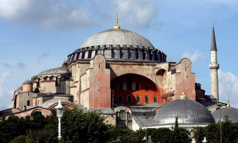 Ιερά Σύνοδος: Tυχόν μετατροπή της Αγίας Σοφίας σε τζαμί θα βλάψει ποικιλοτρόπως την Τουρκία | tovima.gr