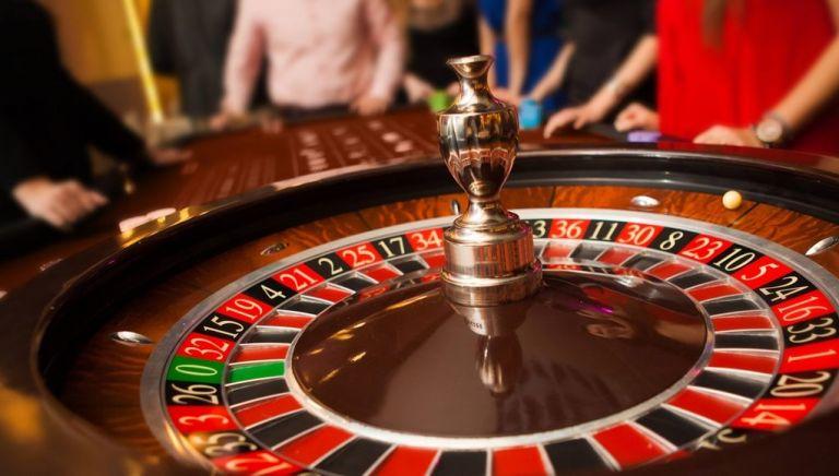 Επαναλειτουργία καζίνο: Εν αναμονή των εισηγήσεων των ειδικών | tovima.gr