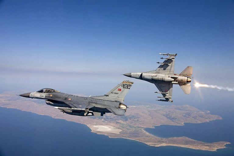 Τουρκικών υπερπτήσεων συνέχεια:  F-16 πάνω από Χίο και Οινούσσες | tovima.gr