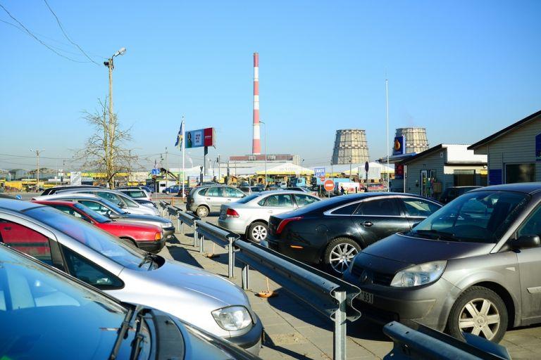 Απαρχαιωμένη η πλειονότητα των οχημάτων στους ελληνικούς δρόμους – Καταστροφικές οι συνέπειες για το περιβάλλον   tovima.gr