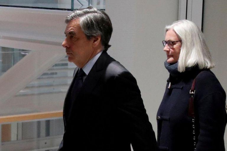 Γαλλία: Σε φυλάκιση 5 ετών καταδικάστηκε ο πρώην πρωθυπουργός Φρανσουά Φιγιόν | tovima.gr