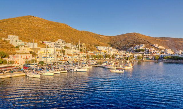 Κορωνοϊός: Ανησυχία από  αύριο για τα νησιά – ανοίγουν τα περιφερειακά αεροδρόμια   tovima.gr