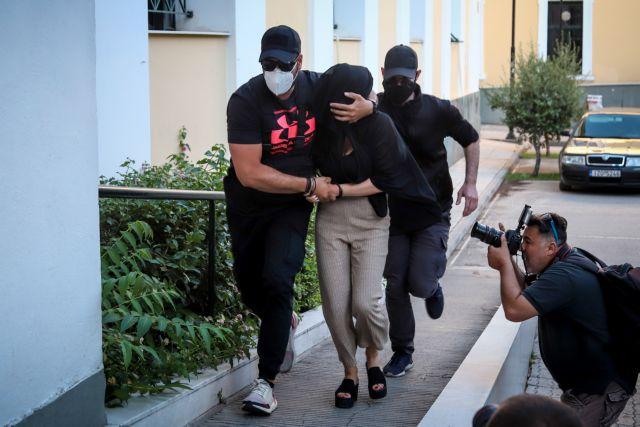 Επίθεση με βιτριόλι: Πιθανή εμπλοκή τρίτου προσώπου ερευνά η αστυνομία | tovima.gr