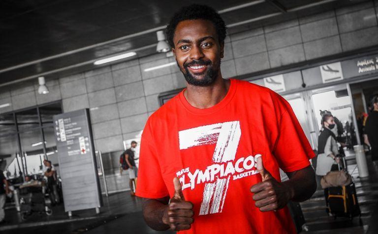 Ολυμπιακός : Στην Αθήνα ο Λιβιό Ζαν Σαρλ [Εικόνες] | tovima.gr